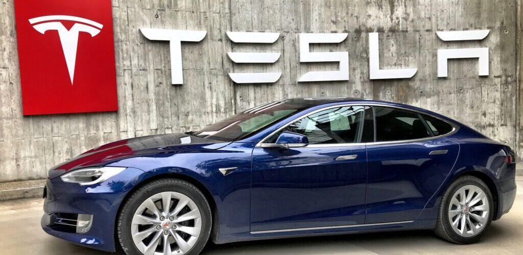 Рекордные поставки Tesla